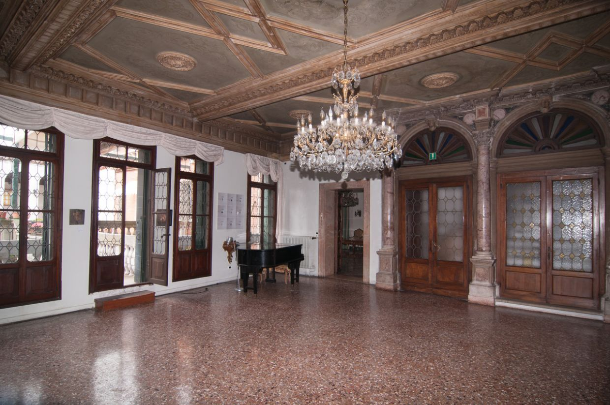 Hotel property available for sale in Venice